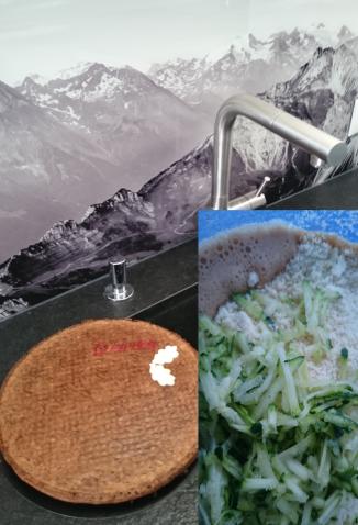 Zucchini-Mandel Kuchen (Low Carb)